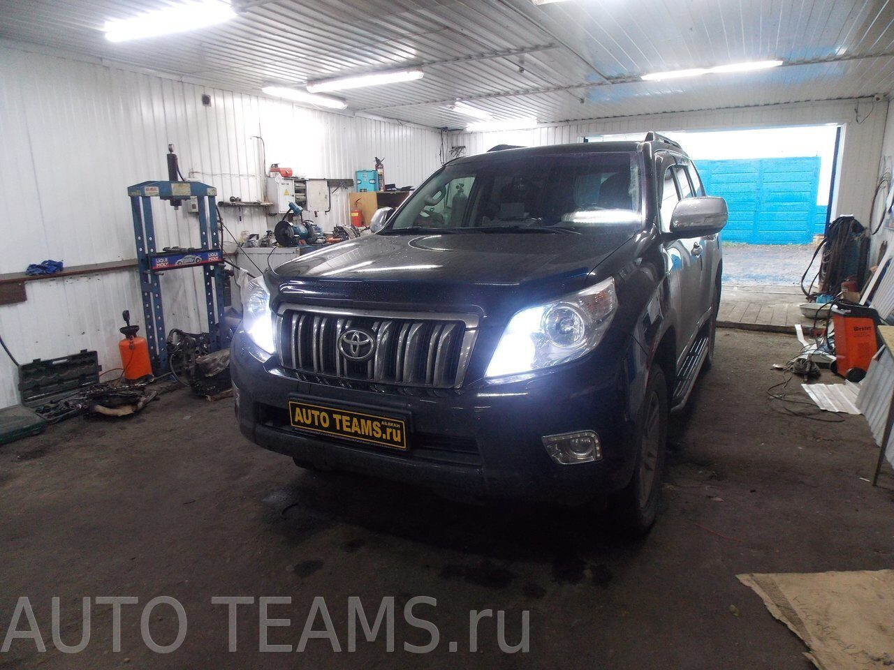 Toyota Land Cruiser Prado 150 2011г