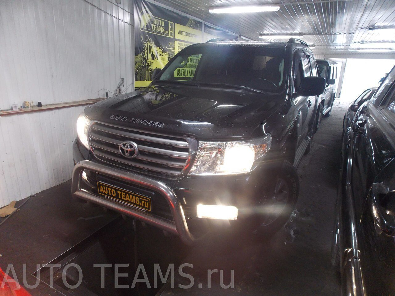 Toyota Land Cruiser 200. 4.54d4 2013г