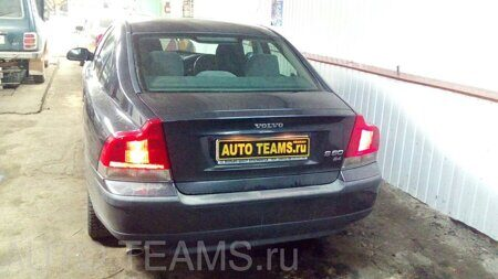 Volvo S60. 2.4л 2004г