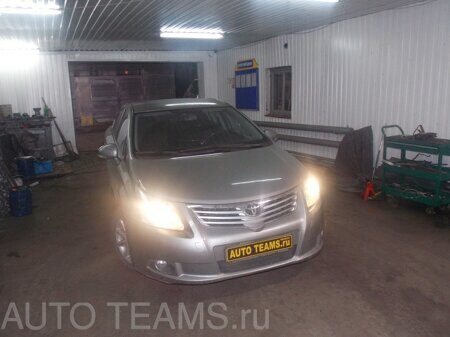 Toyota Avensis 1.8 2011г