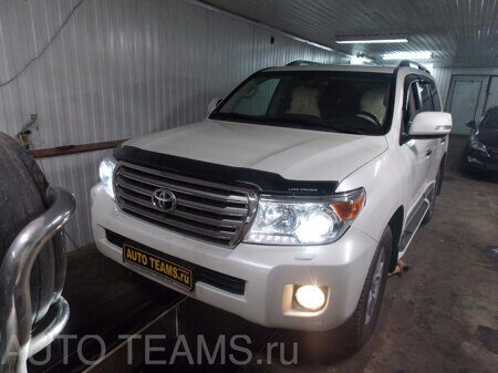 Toyota Land Cruiser бензин 4.7 2013г